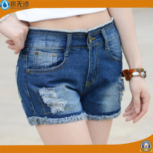 Summer 2017 Fashion Women/Lady′s Embroidery Casual Denim Shorts pictures & photos