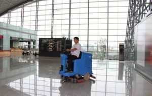 Ce Automatic Smart Ride-on Scrubber Dryer pictures & photos