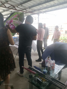 """Outdoor 3 Folding Promotion Gift 21""""X8k Umbrella pictures & photos"""