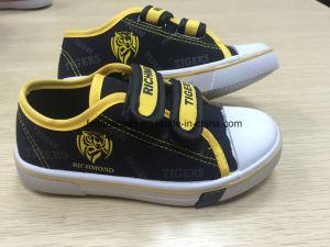 Children′s Injection Velcro  Canvas Shoes  Children Skate Shoes (HH17603)  pictures & photos