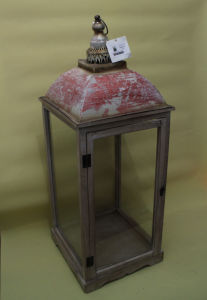Festival Lantern Medieval Style Wood with Iron Inlaid Glass Door Lantern pictures & photos