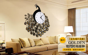 Customized Luxury Clock Acrylic Golden Clock pictures & photos