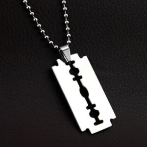 Classic Movie Fashion Jewelry Men Stainless Steel Blade Necklace pictures & photos