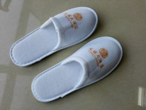 Cheap Hotel Slippers Velvet Terry Slippers pictures & photos