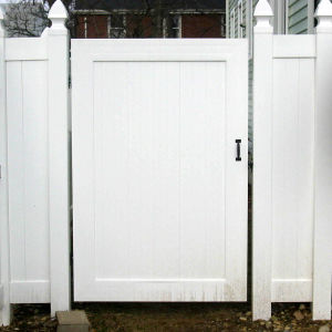 Easily Assembled Privacy Fence Gate pictures & photos
