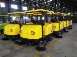 China High Quality Hot Selling Electric Sweeper Road Cleaner pictures & photos