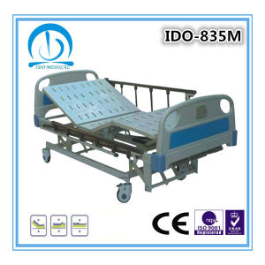 3 Cranks Manual Hospital Bed pictures & photos