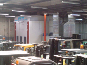 Btd Industrial Spray Booth for Painting Forklift pictures & photos