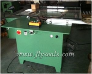 Medium Size Semi-Automatic Winding Machine pictures & photos