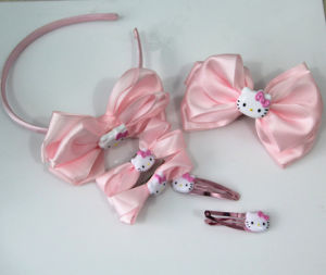 Hello Kitty Fashion Hair Accessories Set -Hello Kitty Beadband and Hair Clip Sets pictures & photos