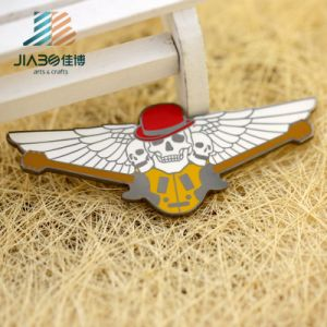 Hot Sell Custom Metal Hard Enamel Skull Wing Badge pictures & photos