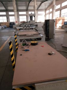 Loading and Unloading CNC Router for Cabinet Making pictures & photos