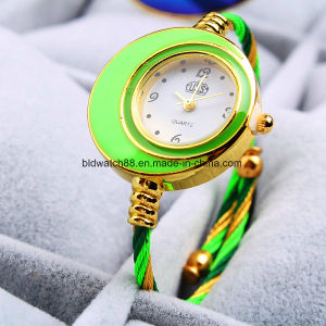 New Fashion Cable Band Women′s Small Size Bangle Watch pictures & photos
