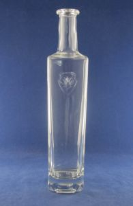 750ml Vodka Glass Bottle with Different Usage pictures & photos