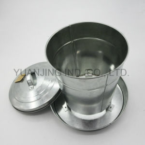 Supply Metal Farm Tools Feeder with Lid for Chicken Food Container pictures & photos