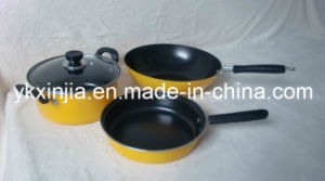 Cookware 4PCS Carbon Steel Non-Stick Kitchenware Set pictures & photos