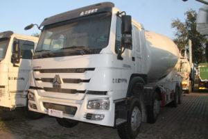 HOWO Brand Chassis 8X4 14m3 Mixer Truck pictures & photos