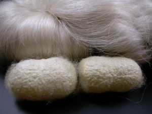 Undyed 100% Silk Hand Knitting Yarn in Natural Color pictures & photos