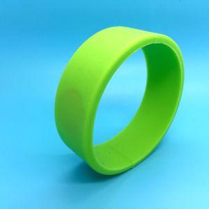 Fashion smart MIFARE Plus S 2K RFID silicone wristband pictures & photos