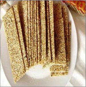 Full-Automatic Sesame Candy Pressing and Cutting Machine pictures & photos