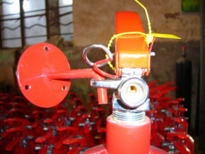 Fire Extinguisher Wall Bracket-CO2 Fire Extinguisher pictures & photos