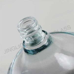 Round Shpe Large Capacity Liquior and Wine Glass Bottle for Spirits. pictures & photos