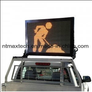 Compact Vehicle Mounted Message Board Traffic Sign for Traffic Management pictures & photos