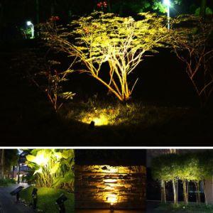IP65 Waterproof Spike Lawn Pathway Landscape Decorative Lighting Solar Garden Spotlight pictures & photos
