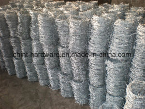 China Factory Barbed Wire Coil Barbed Wire Safety Fence Wire Fencing pictures & photos