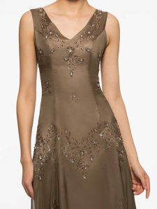 V-Neck Embroidery Beading Short Mother of The Bride Dress with Jacket (Dream-100058) pictures & photos