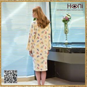 D-010 Hot Selling Women Flower Pattern Bathrobe pictures & photos