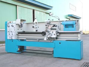 Gap Lathe Machine (Ly6260c) Spindle Bore 80mm pictures & photos