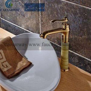 Golden and Jade Body Basin Faucet pictures & photos