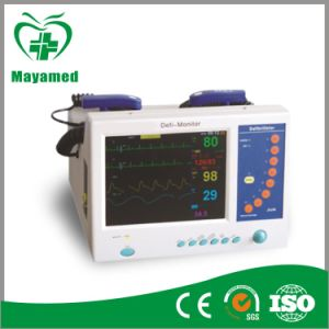 My-C028 Hot Sale Medical Emergency Defibrillator Monitor pictures & photos