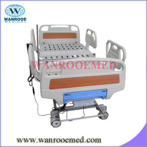 Three Motor Electric Hospital Medical Bed pictures & photos