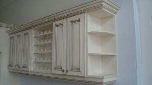 Face Frame Alder Solid Wood Cupboard pictures & photos