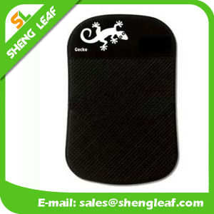 Black Background and White Logo Rubber Soft PVC Mat (SLF-AP008) pictures & photos