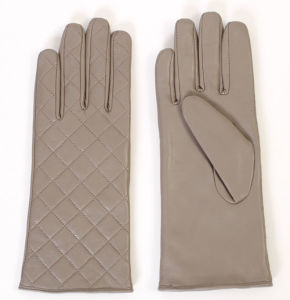 Lady Fashion Checked Pattern Leather Driving Gloves (YKY5163) pictures & photos
