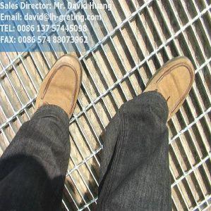 Hot Galvanized Floor Steel Grating pictures & photos