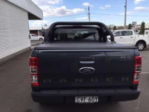 for Toyota Hilux Vigo Soft Tri Fold Tonneau Cover