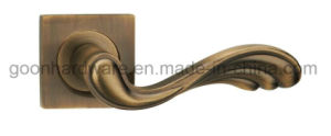 Zinc Alloy Door Handle on Rose - 562 pictures & photos