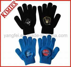 Winter Knitted Acrylic Magic Glove for Promotion pictures & photos