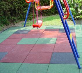 Playground/Kindergarten Recycled Rubber Granules Flooring pictures & photos