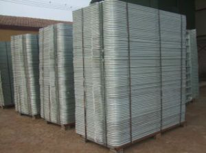 Factory Hot Dipped Galvanized Barricade Fence pictures & photos