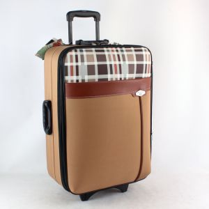 Cheap 600d Polyester Luggage Sets for Middle East Market pictures & photos