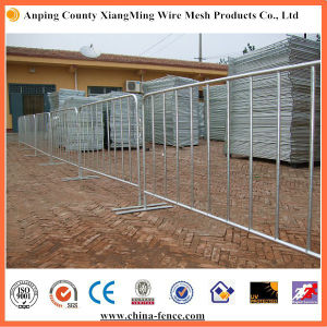 Fully Galvanized After Welding Flat Feet Road Barrier pictures & photos