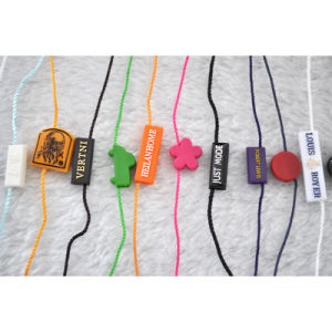 Customized Garment Embossed Hanging Tablets/Seal Tags pictures & photos