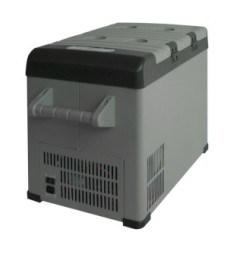 Portable Car Refrigerator/Freezer pictures & photos
