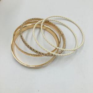 Fashion Metal Bracelet with Glass Stone Jewelry Bracelet pictures & photos