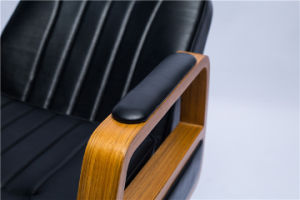 Spacious and Comfortable Barber Chair My-007-66L pictures & photos